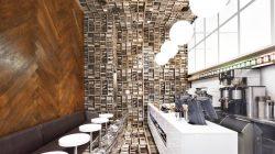Ý tưởng thiết kế nội thất quán cafe nhỏ với không gian giống như bị xoay 90 độ