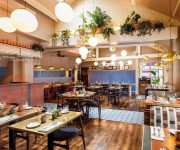 Cách bố trí nội thất thiết kế cửa nhà hàng hợp phong thuỷ
