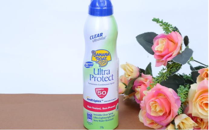 Xịt chống nắng Banana Boat Ultra Protect Sunscreen Continuous Spray SPF 50
